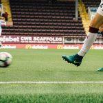 サッカー選手の膝を守る方法